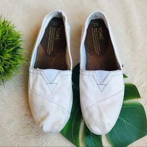 TOMS Classic White Slip-on Shoes
